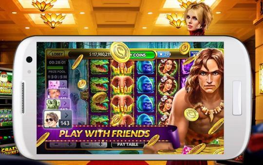 Фотография смартфона на экране которого запущено онлайн казино.